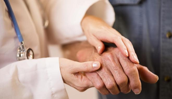 medicii tratează artroza