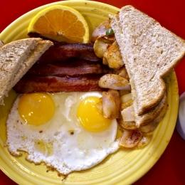 Micul dejun la adulţii care vor să slăbească... Dr. Mihaela Bilic: