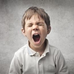 Cum să tratezi accesele de furie ale copilului. Ce fraze are nevoie copilulul să audă de la tine