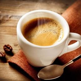 De ce e nocivă cafeaua pe timp de vară