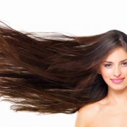 Ai părul sau tenul gras? Scapă de sebum cu aceste remedii!