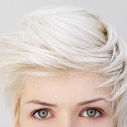 Tinereţe cu păr alb. Vreo problemă?