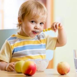 Ce trebuie să facă părinţii pentru a avea copii sănătoşi şi fericiţi