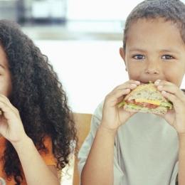 Ce mâncare îi puteţi da copilului la şcoală