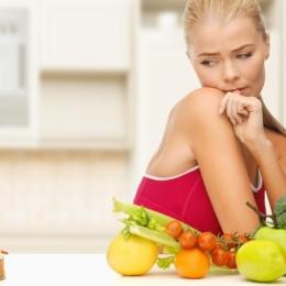 Alimentaţia greşită provoacă acnee şi alte probleme ale piele