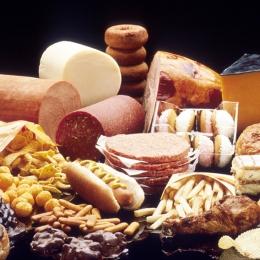 Atenţie la alimentele grase! Pot duce la instalarea depresiei