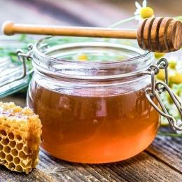 Apiterapia românească, pe primul loc în lume. Românii preferă produsele apicole, nu mierea