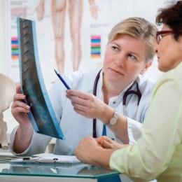 Mare atenție! Artrita reumatoidă vă poate distruge viața