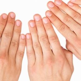 Artrita reumatoidă se depistează greu.
