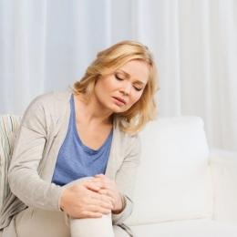 Artroza se acutizează la persoanele sensibile la schimbarea vremii