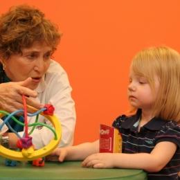 Cum ne jucăm cu un copil cu autism?