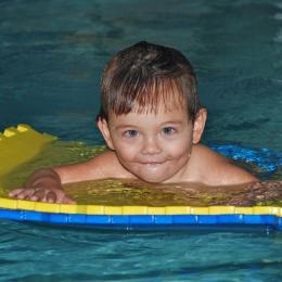 Copiii autişti din Constanţa merg la înot