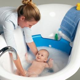 În ce condiţii trebuie făcută baia la nou-născuţi