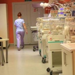 Bebeluşi în pericol! Ce afecţiune pune pe jar autorităţile din Constanţa