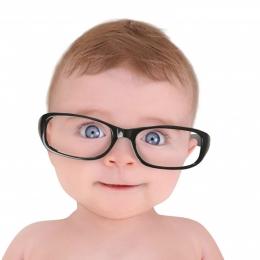 Bebeluşul are probleme de vedere. Ce este de făcut
