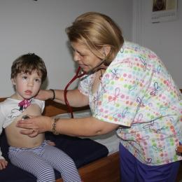 De ce apare hernia la copii