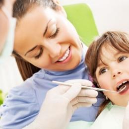 Scrâşnirea dinţilor afectează dantura copiilor. Metode de tratament