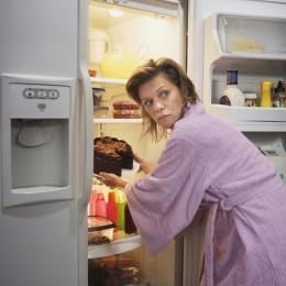 Mâncați cu măsură! Bulimia vă poate pune viața în pericol