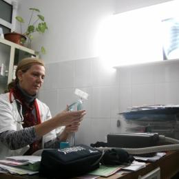 Scuipatul pe stradă, sursa îmbolnăvirii de tuberculoză