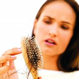 Vă cade părul? Soluţii eficiente, la îndemână, în Constanţa