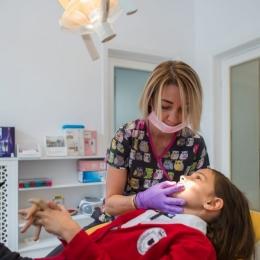 Când se impune montarea aparatului dentar la copii