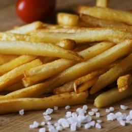 Aveți grijă cât mâncați: cartofii prăjiți nu vă afectează doar silueta