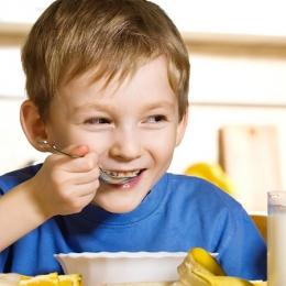Cât de important este micul dejun pentru copii