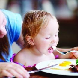 Cât de importante sunt ouăle și alunele pentru copii