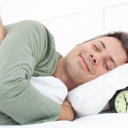Câte ore trebuie să dormim pe noapte