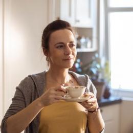 Ceaiul de mesteacăn, recomandat în tratamentul acneei și psoriazisului