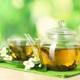 Ceaiul verde vă păstrează dinții puternici şi sănătoşi