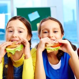 Ce trebuie să conţină pachetul de şcoală pentru un copil sănătos