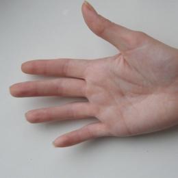 """""""Citiţi"""" bolile din palmă!"""