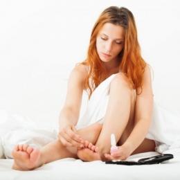 Depistată precoce, ciuperca piciorului poate fi tratată