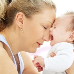 Ce trebuie să mănânci, ca bebeluşul să nu aibă colici