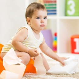 Cum poate fi combătută constipaţia la copii
