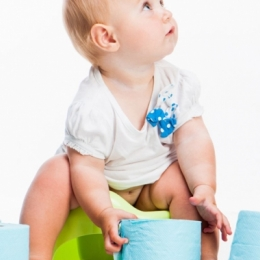 Cum să tratezi sau să previi constipaţia la copii fără medicamente sau… plânsete