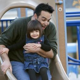 Indiferent de vârstă, copiii au nevoie de afecţiune