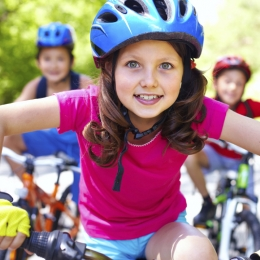 Copiii, încurajaţi să facă mai mult sport