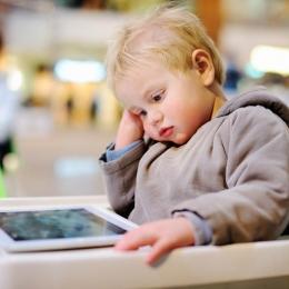 Cum ne afectează starea de sănătate timpul petrecut în fața ecranelor