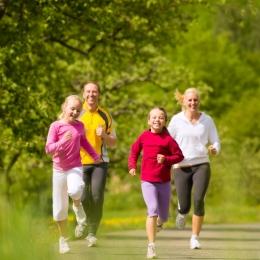 Activitatea fizică, esenţială pentru prevenirea cancerului