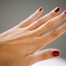 Cum scăpați de pielea aspră și crăpată