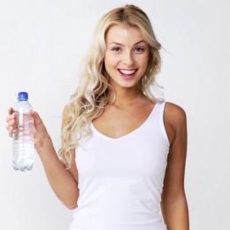 De ce nu este bine să beţi apă rece