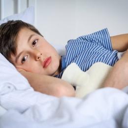 De ce vomită copiii şi ce trebuie făcut în astfel de cazuri