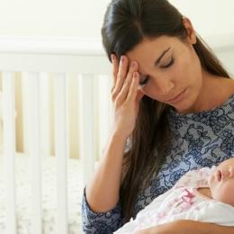 Modificările hormonale pot duce la depresie postpartum