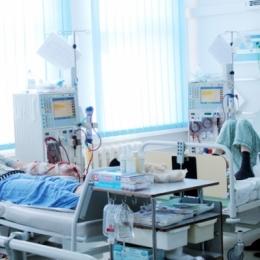 Dializaţii rămân în continuare în spital