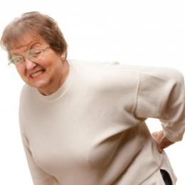 Ce trebuie să faceţi pentru a scăpa de durerile de spate şi de oase