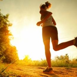 Aveţi grijă pe unde păşiţi! Recuperarea după o entorsă necesită timp