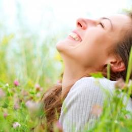 """""""Nu este deloc greu să scoatem fericirea la suprafaţă"""""""