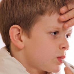 """Tusea """"măgărească"""", semn al unei infecţii respiratorii"""
